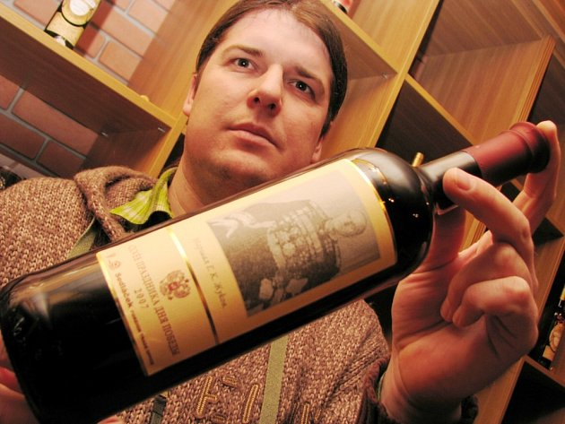 Tomáš Krist z Milotic dodal sto láhví vína Abramovičovi