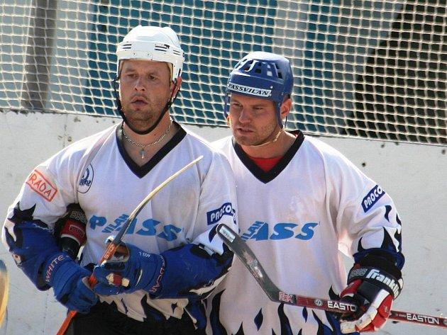 Předseda Rigumu Tomáš Novotný (vpravo).