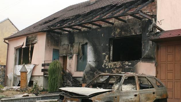 Výbuch a následný požár v rodinném domě ve Vracově.