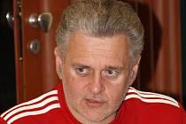 Zkušený trenér René Kumpán musel u házenkářek Veselí nad Moravou kvůli špatným tréninkům a výsledkům skončit. Po třech měsících se bývalý trenér k celé situaci vyjádřil.
