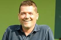 Známý fotbalový funkcionář Petr Orel působí ve Strážnici jako asistent trenéra Pavla Daňka.