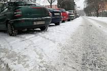 Hodonínsko zasypal sníh. Podle silničářů ale výraznější problémy v dopravě nehrozí.