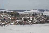 Zimní Archlebov, obec s téměř devíti sty obyvateli.