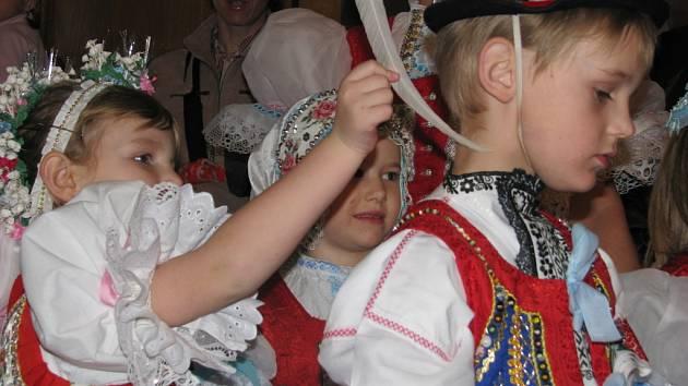 Dětský krojovaný ples ve Vacenovicích