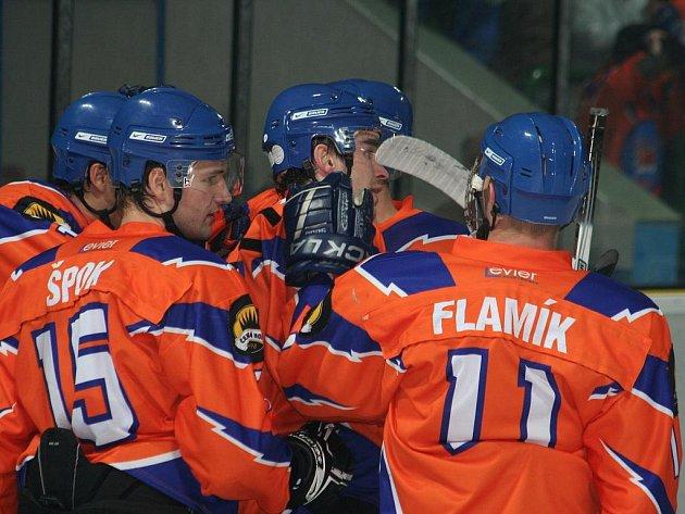 2. liga, východ: SHK Hodonín (v oranžovém) vs. HC Bobři Valašské Meziříčí