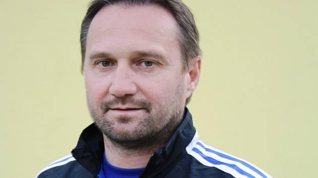 Známý slovenský trenér Ľuboš Hudák se po necelých dvou letech vrátil zpět do Veselí nad Moravou. Panenky povede místo Slavomíra Vargy.
