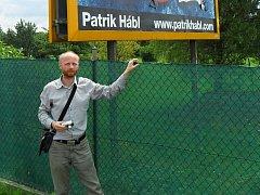 Malíř Patrik Hábl má v těchto dnech výstavu ve Ždánicích.