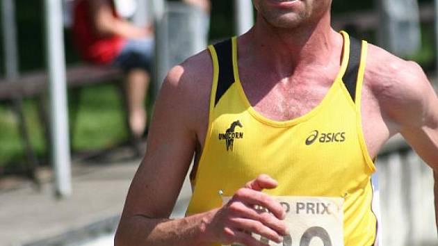 Vítěz osmého ročníku Běhu Moravským Pískem Tomáš Blaha.