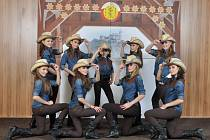 Již po dvanácté v řadě získaly první a druhé místo v kategorii Line dance tanečnice z Black and White. Minulý víkend se účastnily prestižní soutěže Pardubické Ryengle.