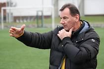 Trenér Jan Dohnálek (na snímku) na jaře povede v Moravskoslezské lize žen fotbalistky Nesytu Hodonín.
