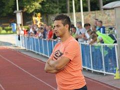 Známý trenér Viktor Linhart (na snímku) vyměnil muže Krumvíře za mladší dorostence třetiligového Hodonína.