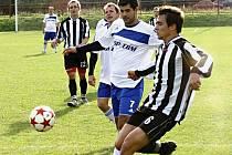 Fotbalista Lovčic Fotis Maniatis (v bílém), který trénuje v Kyjově dorost, má řecké rodiče.