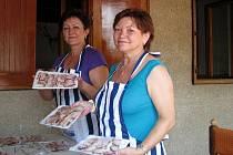 Špekošt a akci Víno a burčák pořádali v areálu vinných sklepů Mikulečtí vinaři a Gurmáni z Mikulčic.