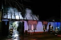 Ve Veselí nad Moravou vyhořela čalounická dílna.