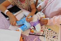 Důchodci z Vracova uspořádali sbírku pro nemocné děti.