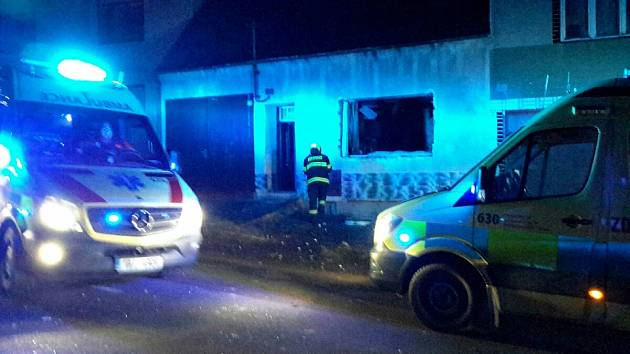 Výbuch v Suchově. Jeden muž je těžce zraněný, dům má narušenou statiku