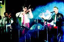 Bojanovická cimbálová muzika Grajcar a Petr Bende.