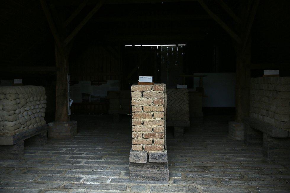 O víkendu se přišly podívat desítky prvních návštěvníků do strážnického skanzenu.