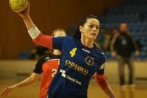 Osmatřicetiletá házenkářka Alžběta Tóthová (na snímku ještě v dresu Zlína) bude hrát v letošní sezoně za prvoligový Hodonín.