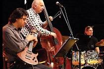 Jazzové trio Jurkovič, Uhlíř, Helešic zahraje v GVU Hodonín.