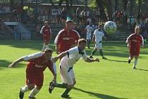 Krajský pohár: Dubňany (v bílém) vs. Vacenovice