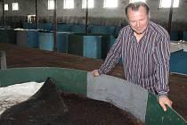 Petr Divácký se věnuje v Šardicích přípravě úspěšného slováckého vermikompostu od roku 2012.