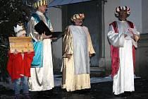Sobotní odpoledne patřilo třem králům a sbírce pro charitu ve Veselí nad Moravou.