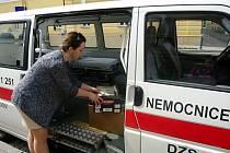 Městká knihovna v Kyjově darovala knihy kyjovské nemocnici, první várka zamířila do dětského a onkologického oddělení.