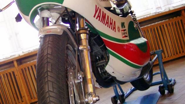Jen do čtvrtka je v kyjovském kulturním domě k vidění výstava starých motocyklů.