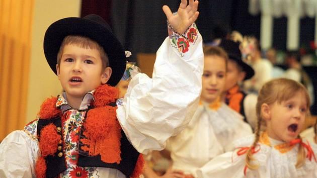 Krojované děti z Blatnice pod Svatým Antonínkem.