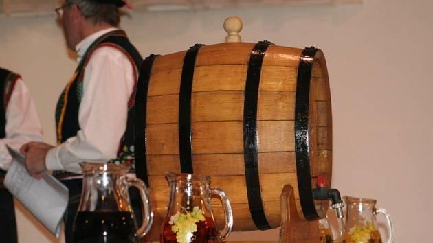 Čejkovický farář požehnal vína
