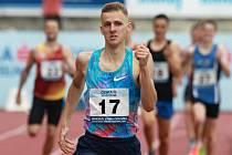 Hodonínský běžec Filip Sasínek na Odložilově memoriálu vyhrál běh na osm set metrů. Jednadvacetiletý reprezentant si v Praze na Julisce připsal suverénní vítězství v čase 1:47.85 minuty.