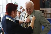 Nejslavnější odchovanci Baníku Josef Vacenovský a František Kordula se stali čestnými občany Ratíškovic. Společně s bývalými hráči pražské Dukly byli ocenění také další dorostenečtí mistři republiky.
