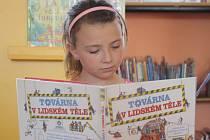 Děti se v městské knihovně v Kyjově dozvěděly něco z tajů lidského těla a naučily se poskytnout první pomoc.