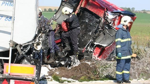 Nehoda mezi Vlkošem a Vracovem si vyžádala lidský život
