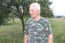 Antonín Bábíček je už čtyřicet let hrobníkem ve Vacenovicích.