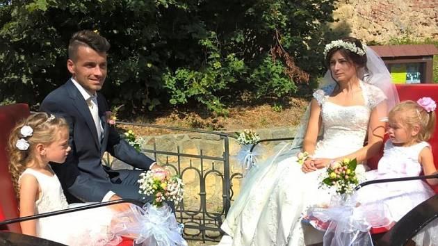 Známý okresní fotbalista Gabriel David se v sobotu oženil. I když si zkušený útočník zpříjemnil svatební víkend gólem do sítě Ždánic, Kostelec doma nakonec prohrál 3:4.