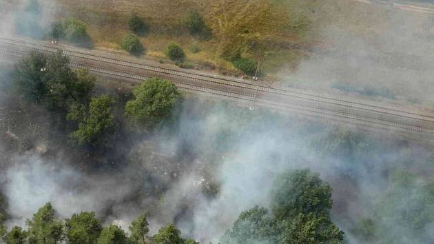 Požár lesa u Bzence