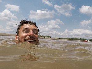 V nafukovacím člunu projel Amazonii. Hodonínský cestovatel se vrací domů