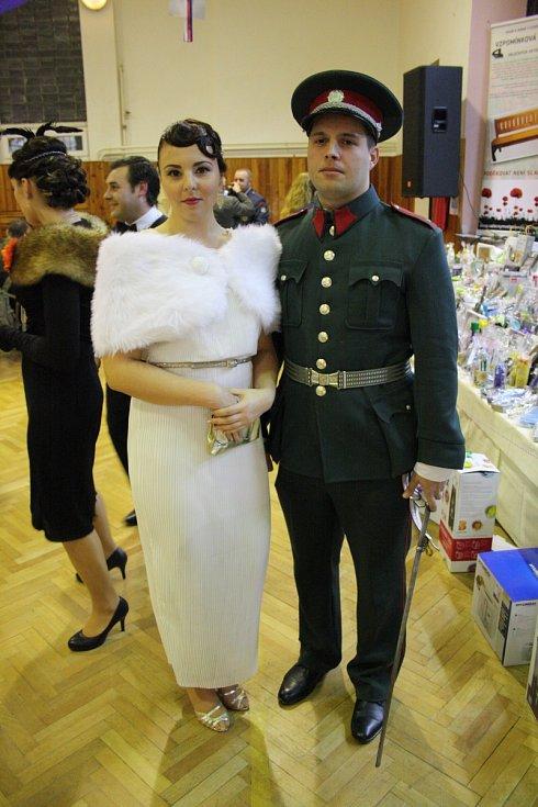 Čestným hostem šestého ročníku vlkošského Dobového plesu byl válečný veterán Lukáš Hirka. Kromě tance si mohli návštěvníci užít i prvorepublikových pokrmů.