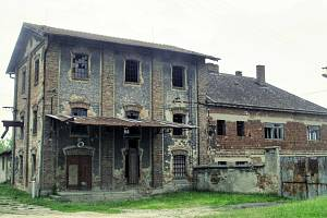 MLÝN (Svatobořice-Mistřín, Ke Mlýnu). Přes 20 let je prázdný, chátrá. Do víc než 340 let starého stavení se možná vrátí život. V plánu je oprava, díky níž má vzniknout kulturně-společenské centrum. V případě přidělení dotace může stavba začít koncem roku.