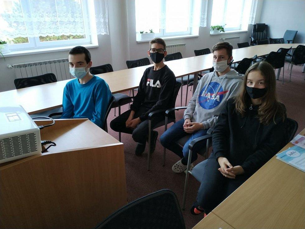 Tým mladých filmařů z Dubňan.