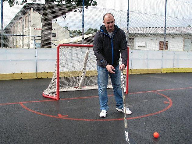 Hodonínské hokejbalové hřiště je po rozsáhlých opravách.