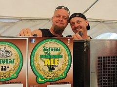 Návštěvníci pivních slavností měli možnost ochutnat čtyřiadvacet druhů piv z místního pivovaru.