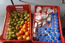 Školáci základní školy va Vančurově ulici v Hodoníně přišli s originálním nápadem. Svačiny, které nesní, věnují prostřednictvím Charity chudším dětem.
