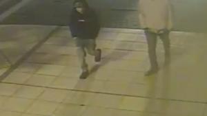Policisté hledají svědky vloupání