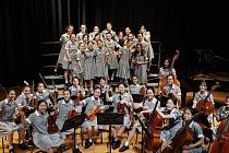 Abbotsleigh Chamber Orchestra and Choir z Austrálie.
