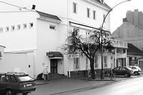 Dříve zde sídlilo vedení Slokova, dnes je zde restaurace.