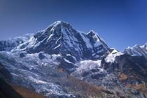 Jeden z himalájských vrcholů, Annapurna (8091 m nad mořem)