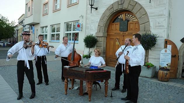 Akce Jaro na Kyjovsku potěšila hlavně milovníky vína a folkloru.